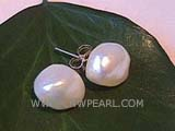9-10mm white bread freshwater pearl stud earrings